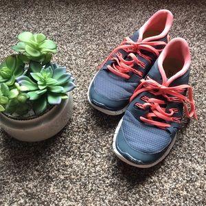 🆕Nike Free Athletic Shoes